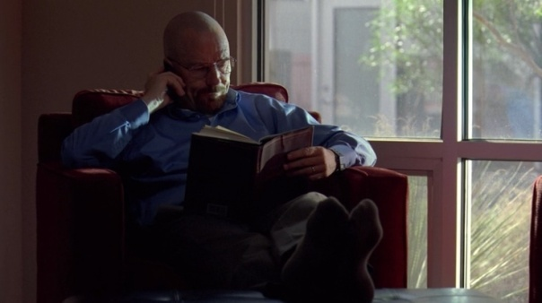 Walter White reads Leaves of Grass [Copyright by AMC/Sony Pictures]